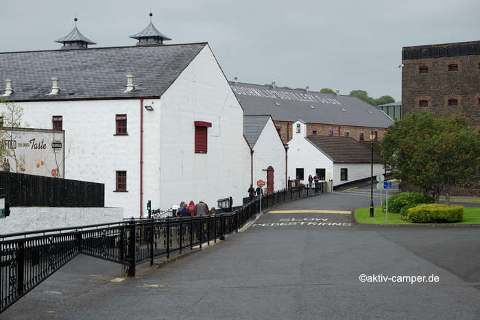 Blick auf die Bushmills Destillerie