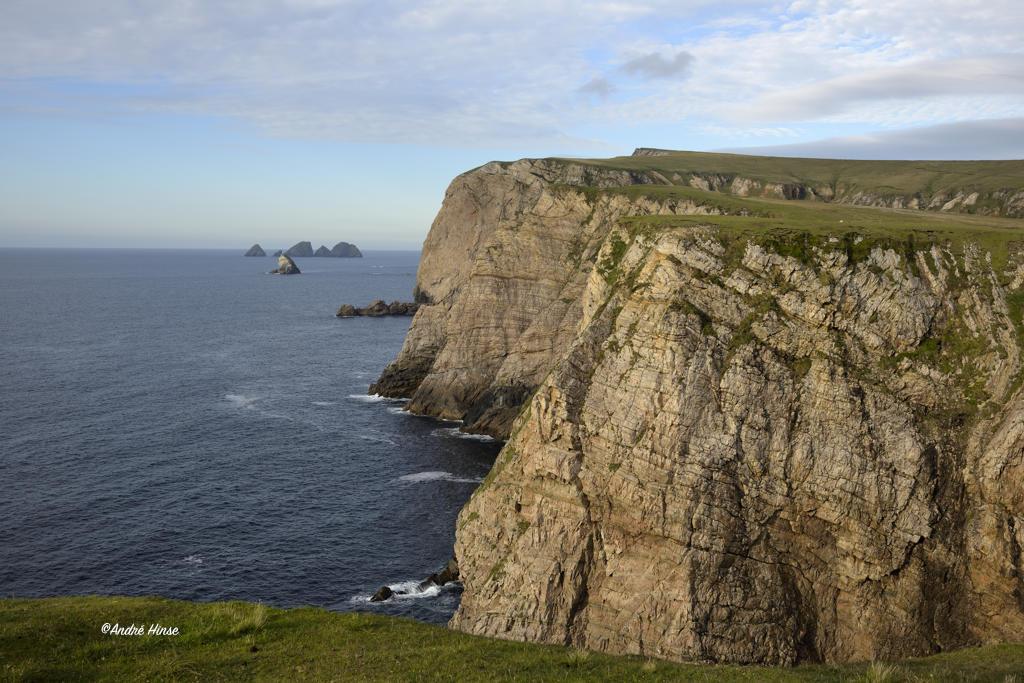 Klippen der Küste im Co. Mayo/Irland