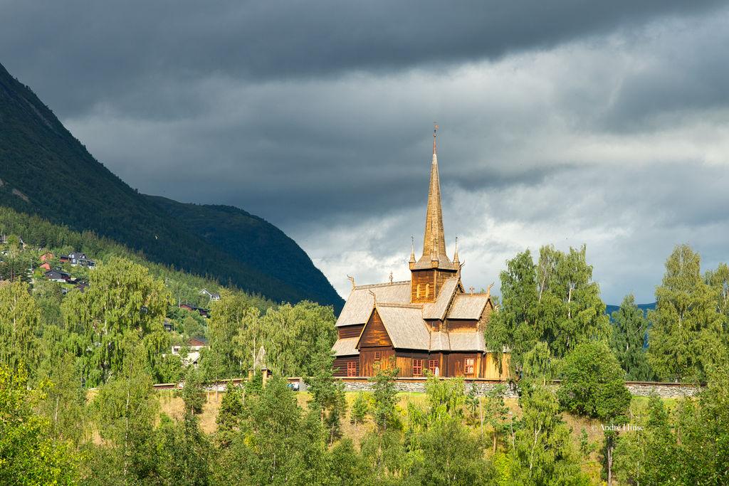 Holzkirche von Lom