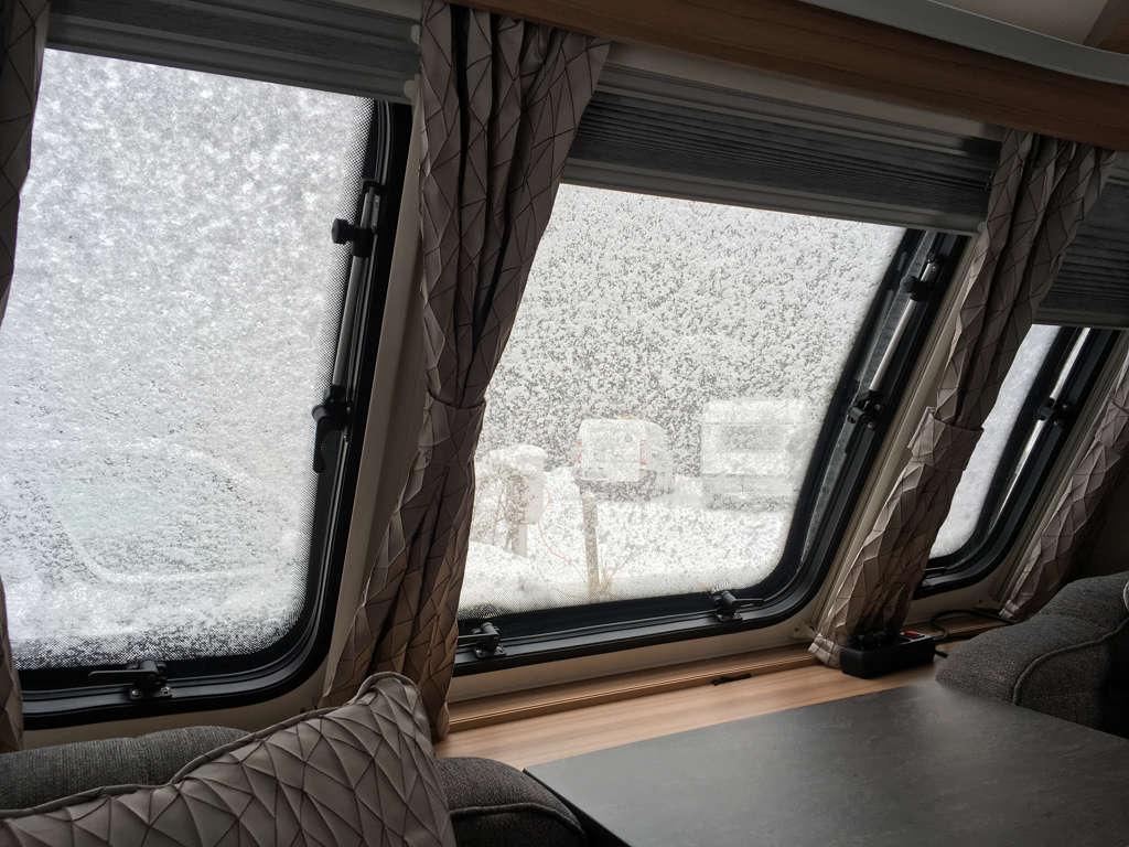 Schneefenster