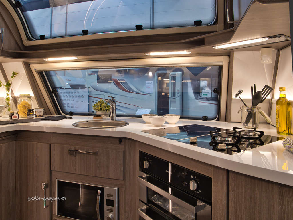 kabe wohnwagen und wohnmobile 2019 aktiv camper. Black Bedroom Furniture Sets. Home Design Ideas
