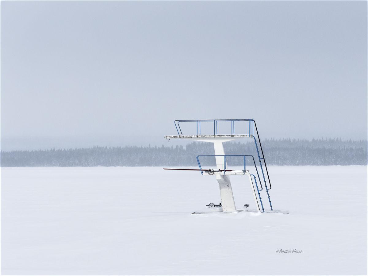 sprungturm im Eis