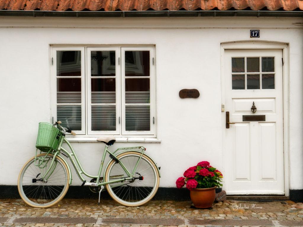Fahrrad vor Hausfassda