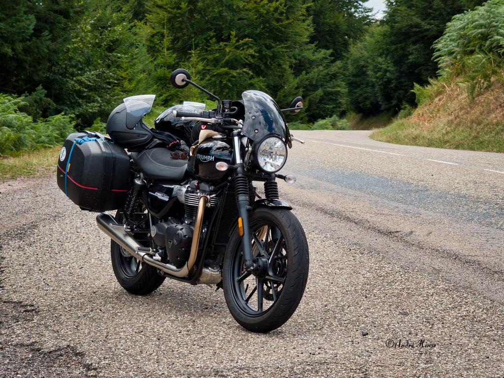 Motorrad auf dem Col du Donon