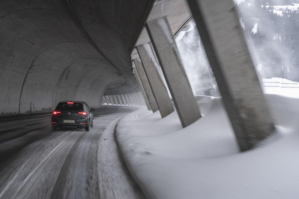 Der Nokian Seasonproof auf wechselnden Fahrbahnuntergründen
